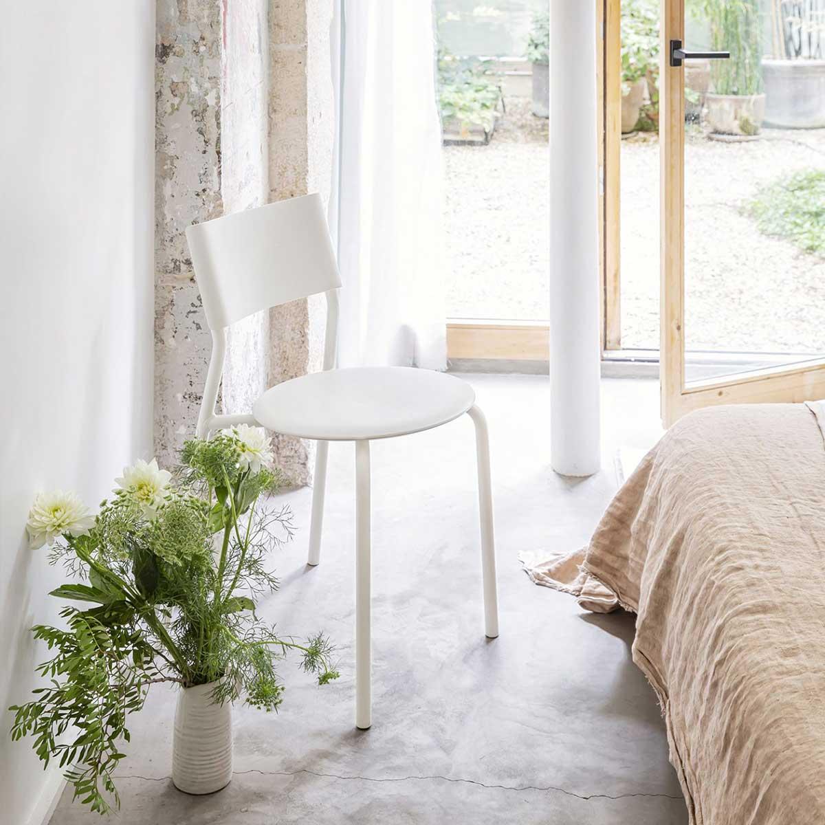 Chaise blanche : 20 designs immaculés pour la salle à manger