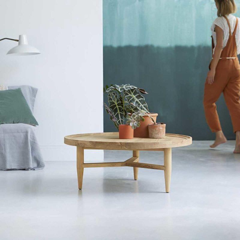 Table basse ronde en bois pour déco esprit scandi