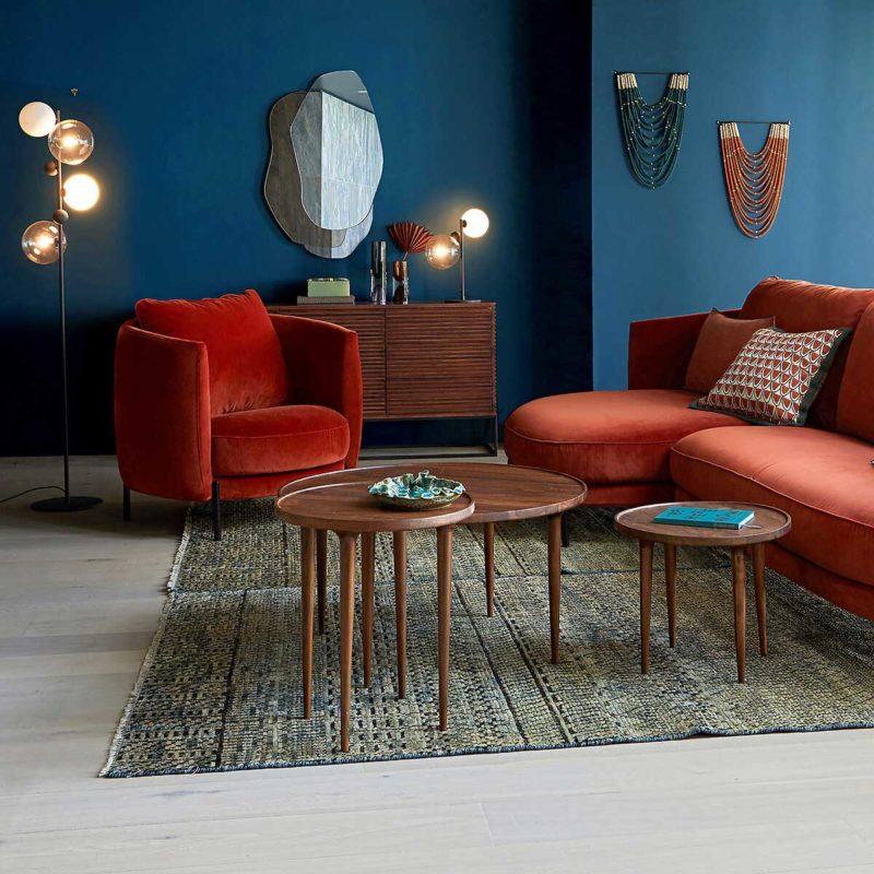 Table basse scandinave en bois foncé