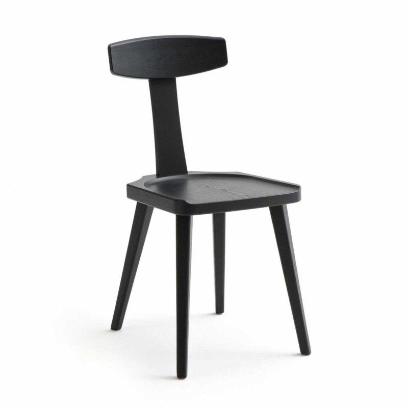 Chaise noire au design original