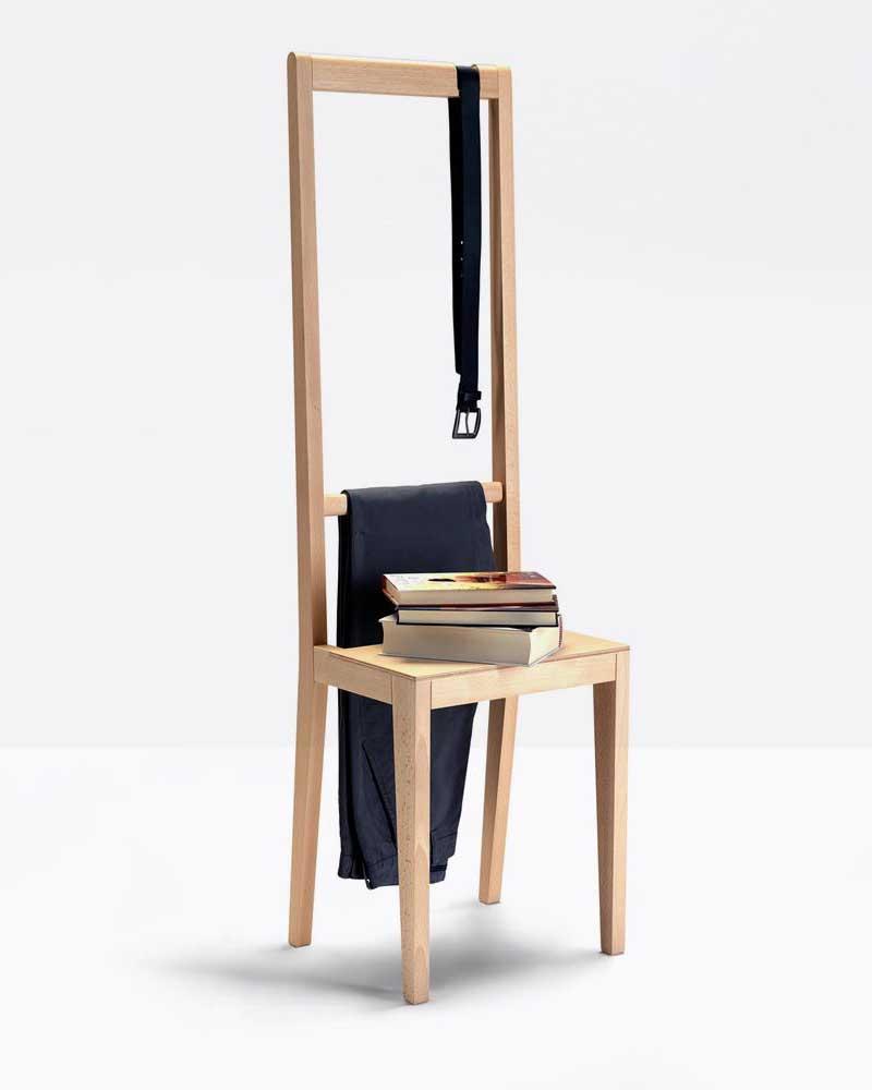 Chaise valet de chambre au design original