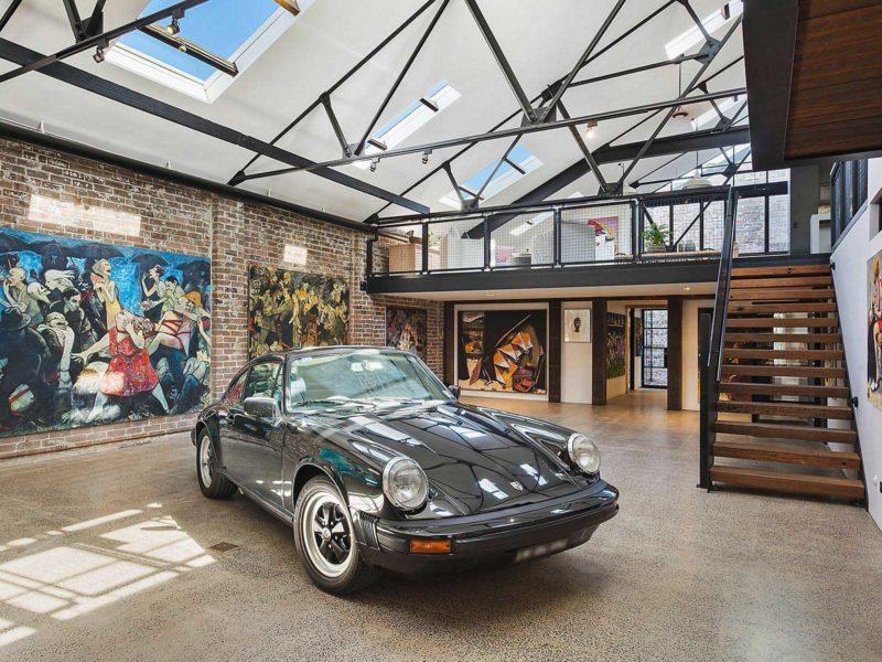 Porsche 911 en déco dans un loft