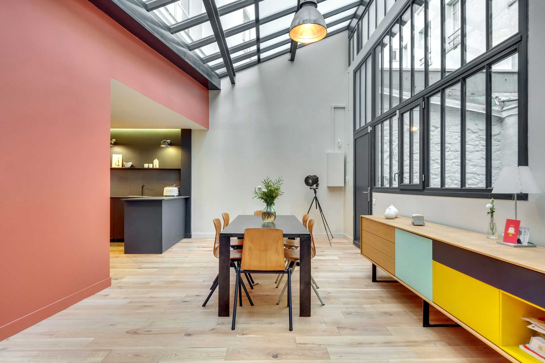 Un ancien atelier d'imprimerie transformé en loft à Clichy