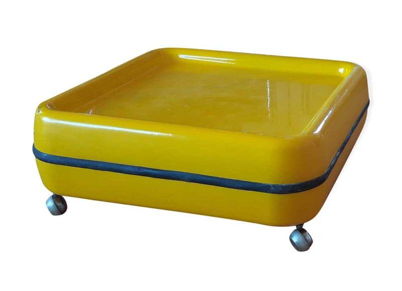 Table basse jaune déco années 70