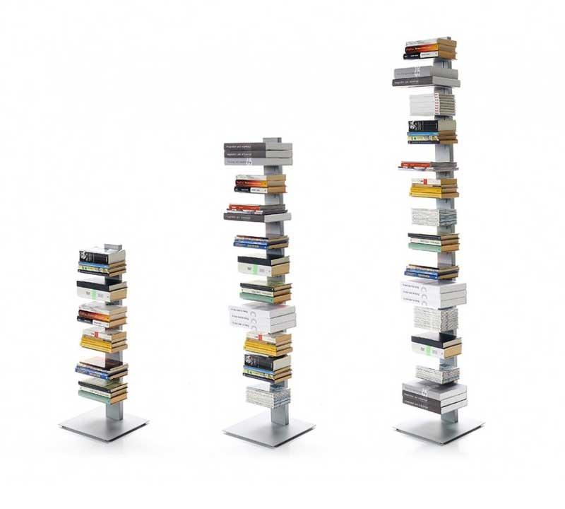 Bibliothèque colonne de livres