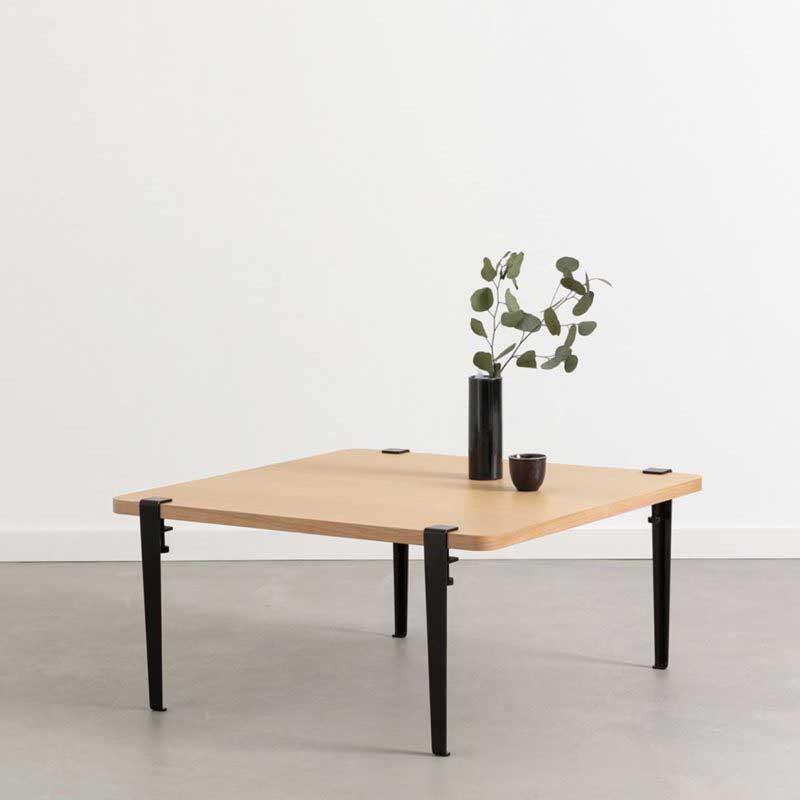 Table basse carrée avec pieds modulable