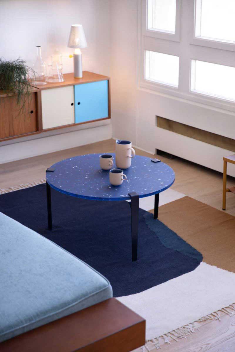 Table basse ronde en plastique recyclé