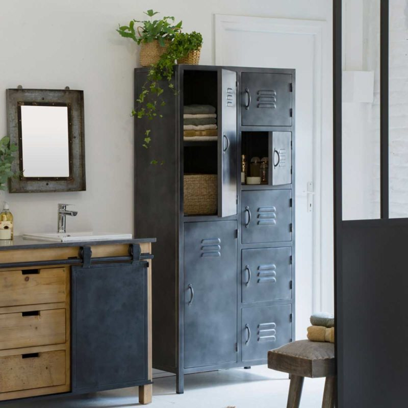 Armoire de salle de bains industrielle en métal