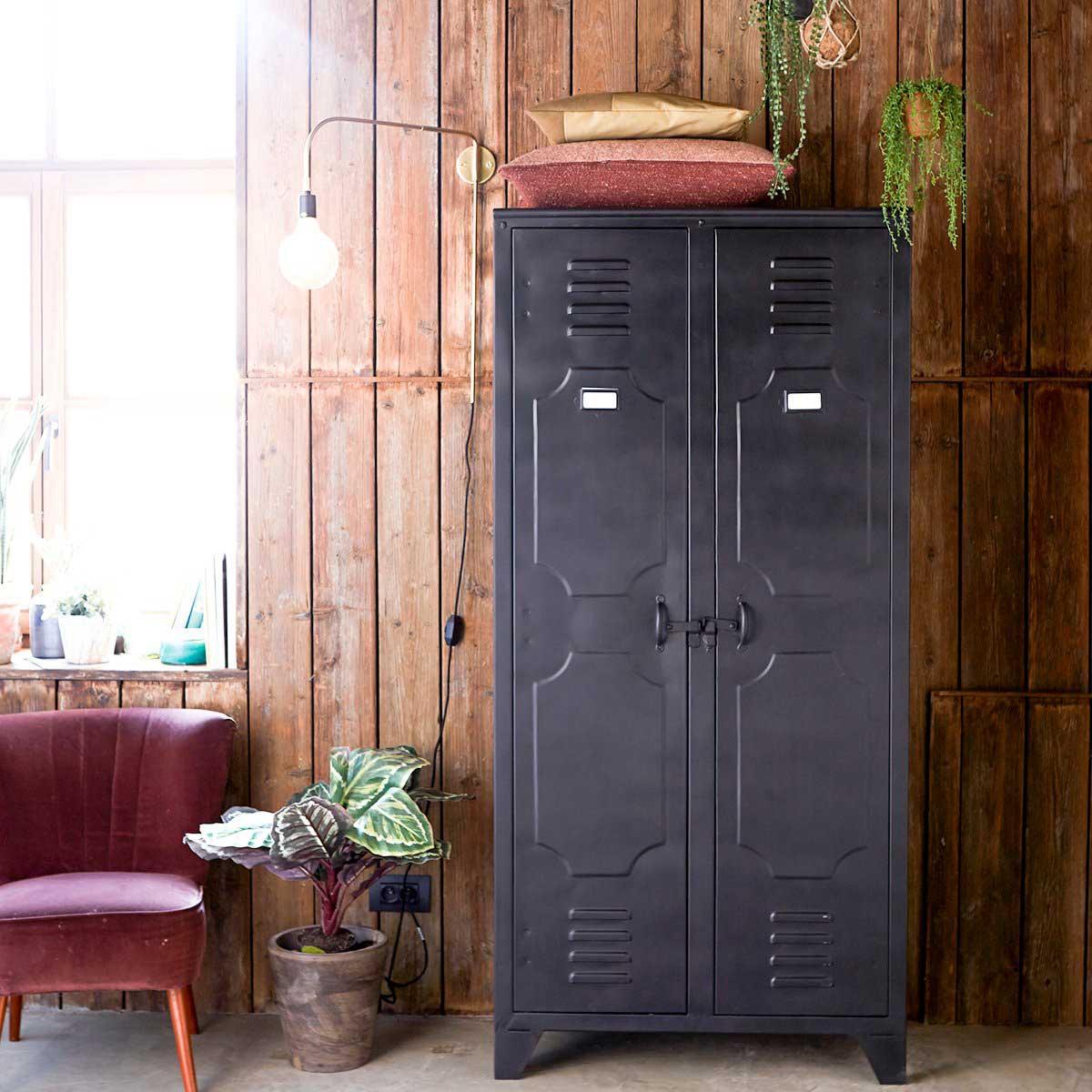 Armoire industrielle : 19 meubles style vestiaire d'usine