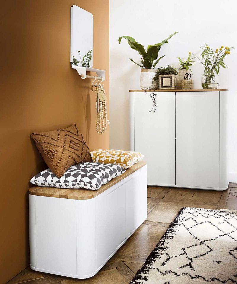 Banc coffre blanc avec plateau en bois