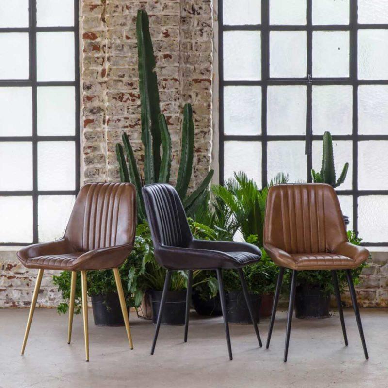 Chaise vintage en cuir marron
