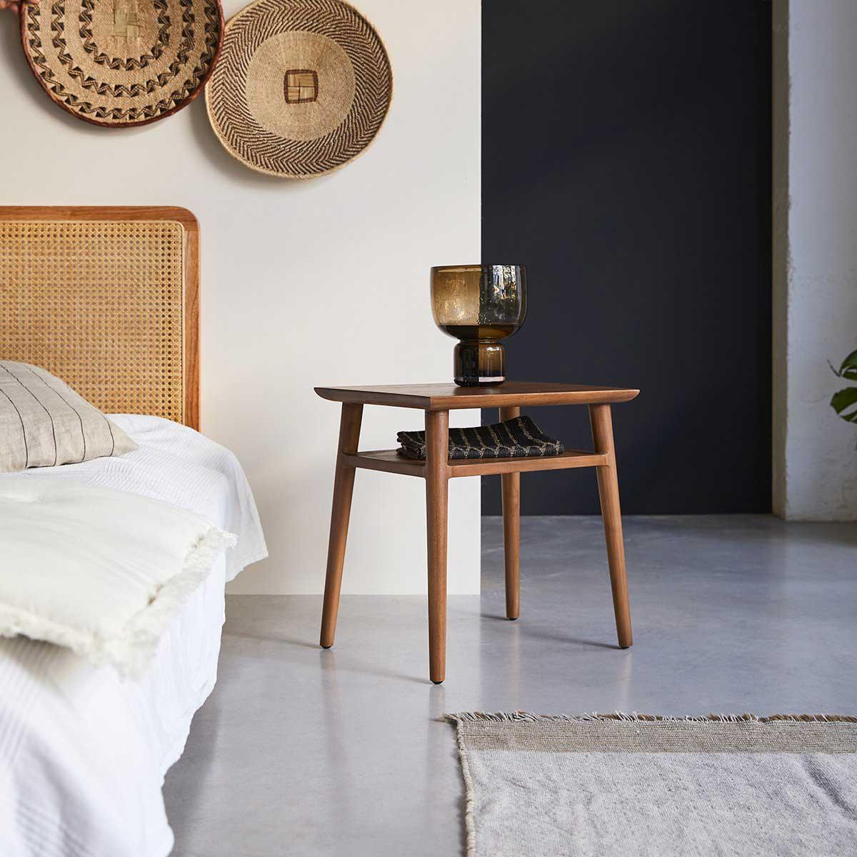 Table de chevet vintage : 21 idées esprit rétro pour la chambre