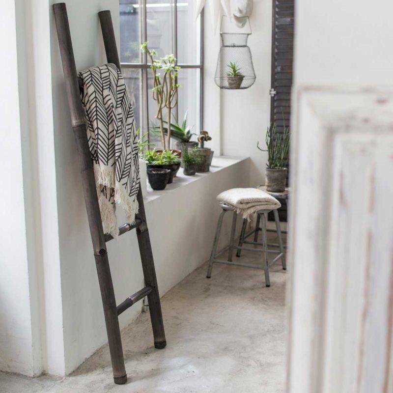 Échelle porte-serviettes en bambou noir