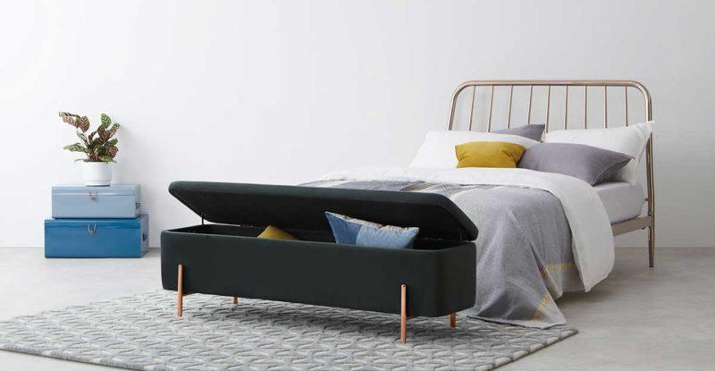 Grand banc coffre de rangement pour lit