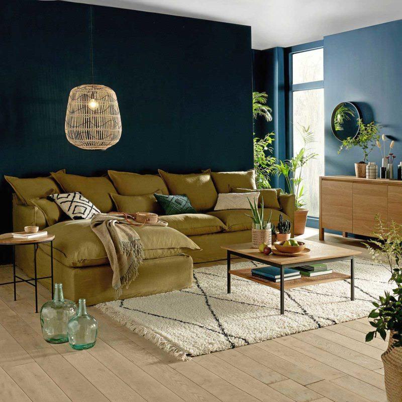 Salon avec canapé d'angle en lin