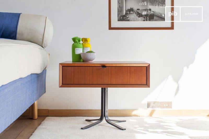 Table de chevet au style rétro en bois