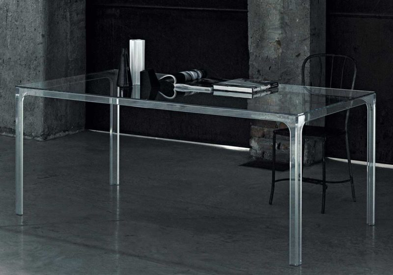 Table de salle à manger transparente entièrement en verre