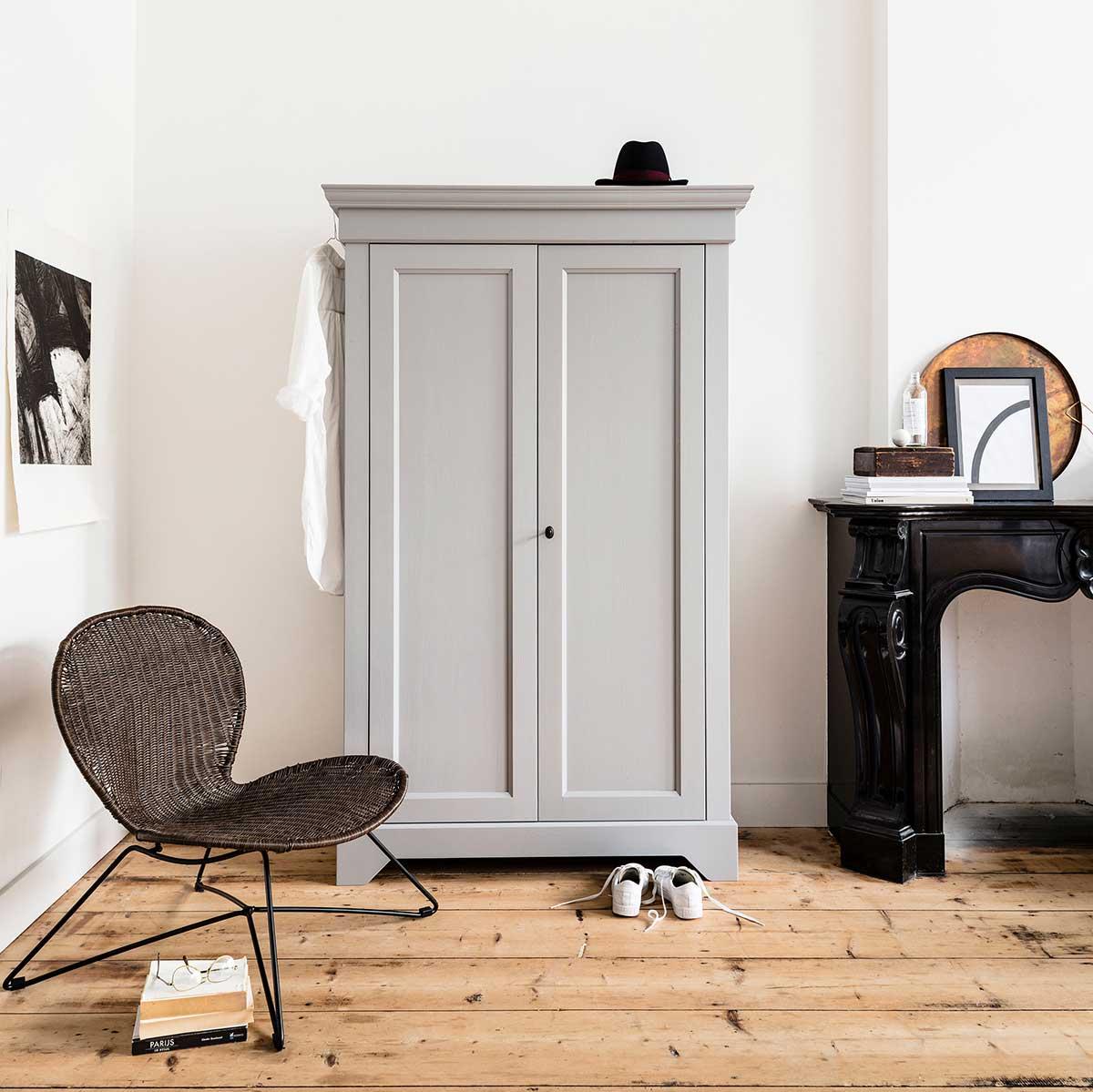 Armoire parisienne : 15 meubles en bois au charme ancien