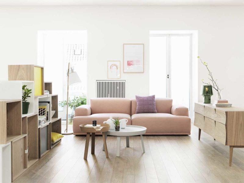 Canapé rose poudré style contemporain