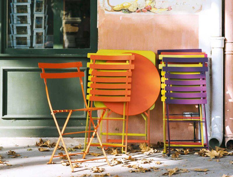 Chaise de bistrot pliante pour salon de jardin par Fermob