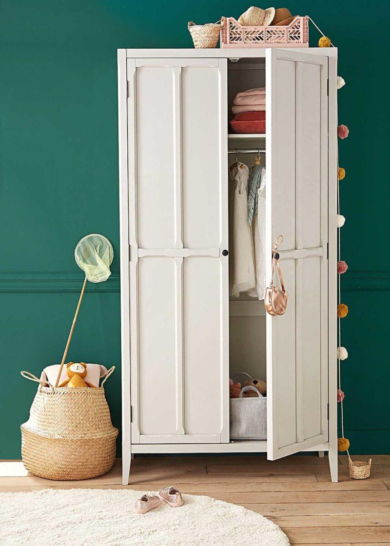 Dressing chambre d'enfant avec une armoire parisienne