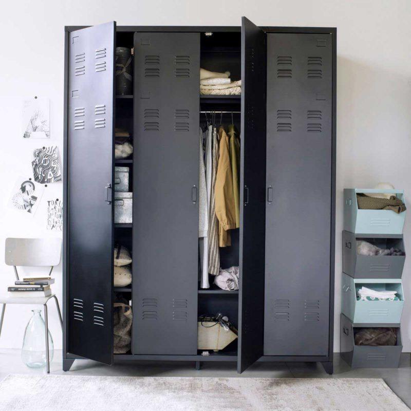 Grand meuble d'entrée esprit vestiaire d'usine