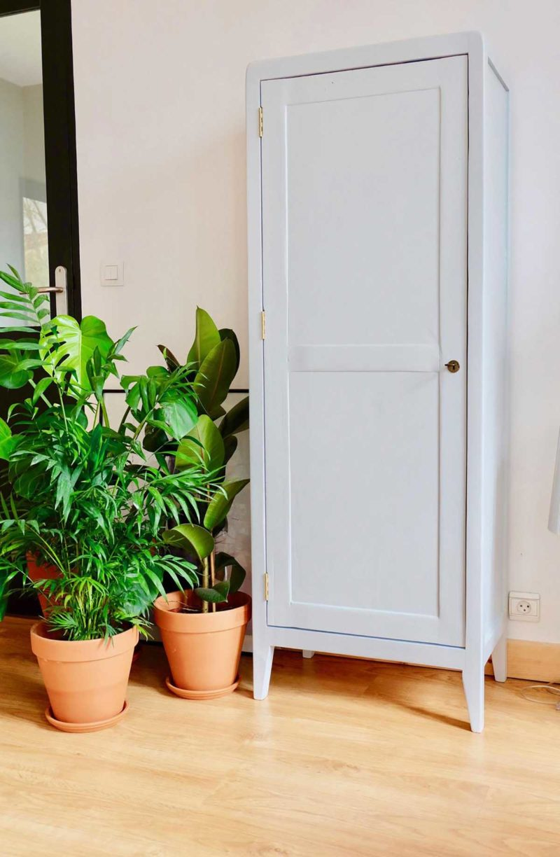 Petite armoire parisienne fabriquée sur mesure