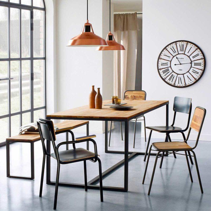 Table avec base en acier et plateau bois massif