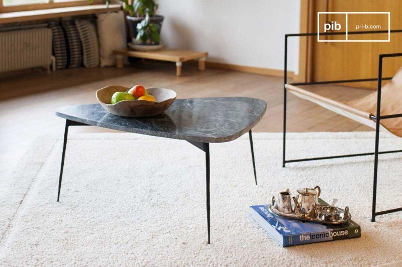 Table de salon tripode enmarbreavec pieds en acier