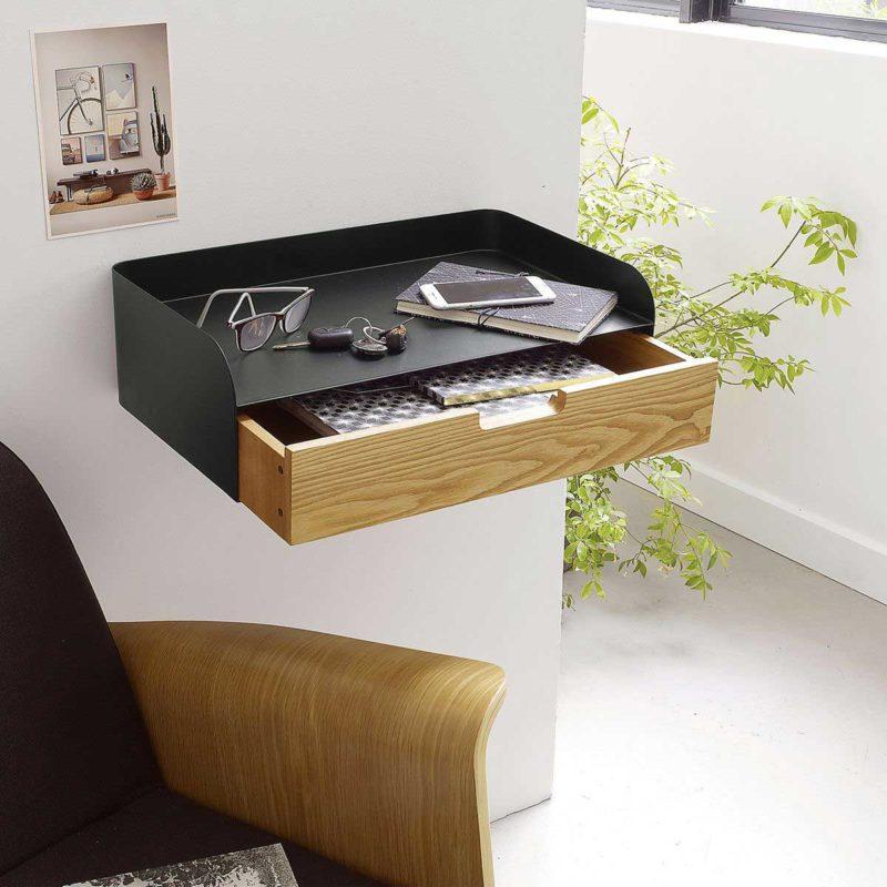 Table de chevet suspendue design avec tiroir