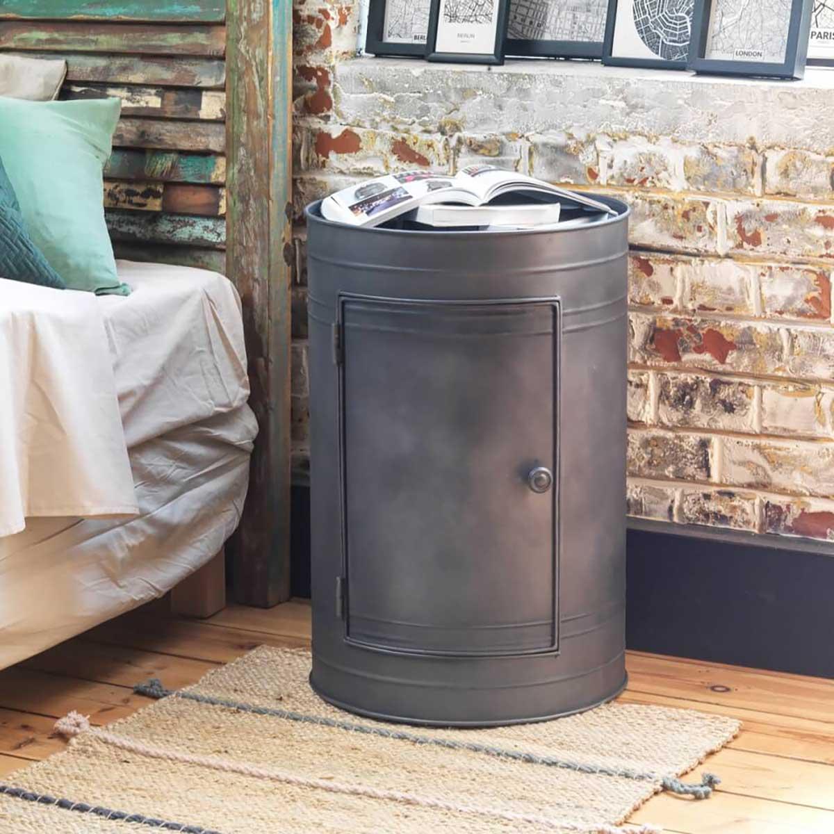 Table de chevet industrielle : 21 meubles en métal ou bois