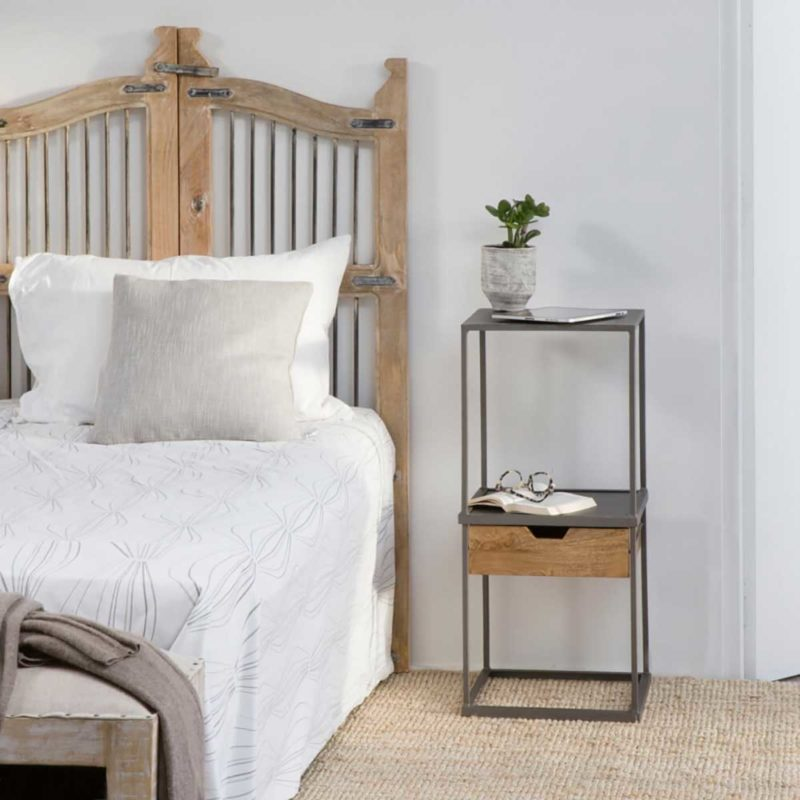 Table de nuit en métal avec tiroir bois