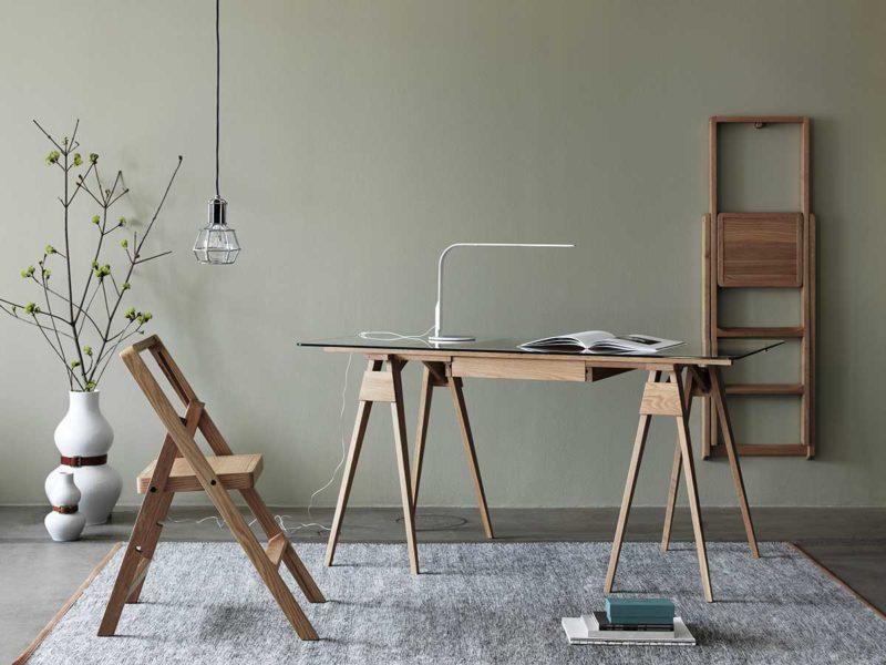 Bureau design avec plateau en verre