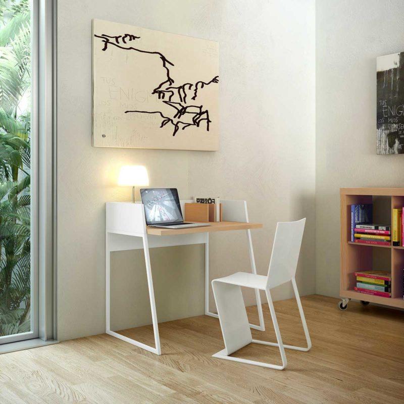 Bureau en chêne et métal blanc au design épuré