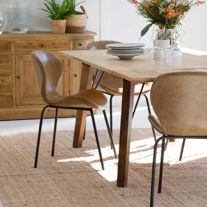 Chaise contemporaine en cuir pour salle à manger