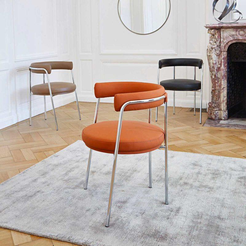 Chaise design en cuir