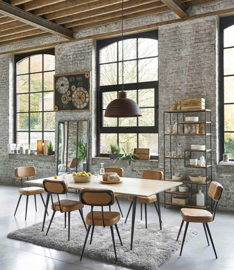 Chaise en cuir style vintage