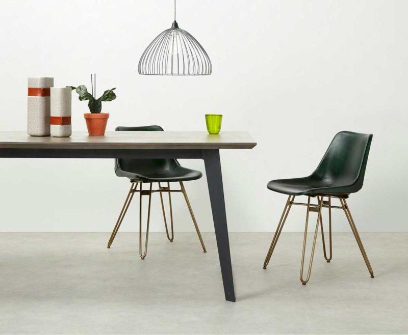 Chaise originale en cuir vert