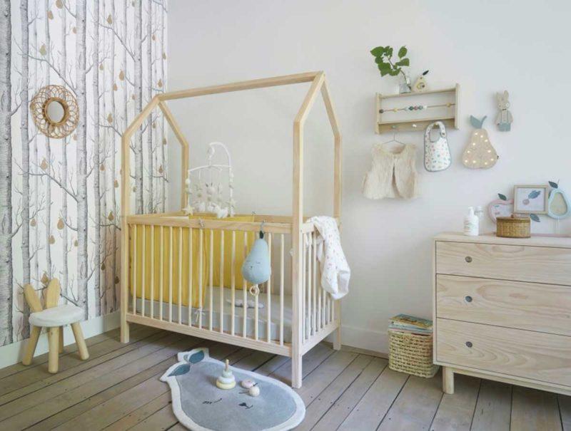 Lit cabane bébé à barreaux
