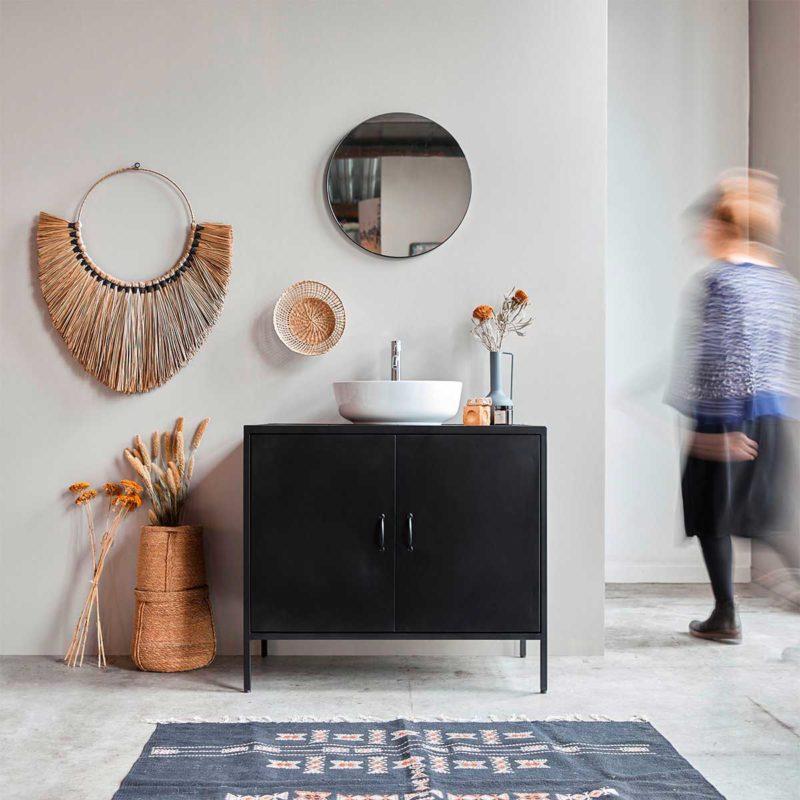 Meuble de salle de bains en acier noir avec vasque blanche