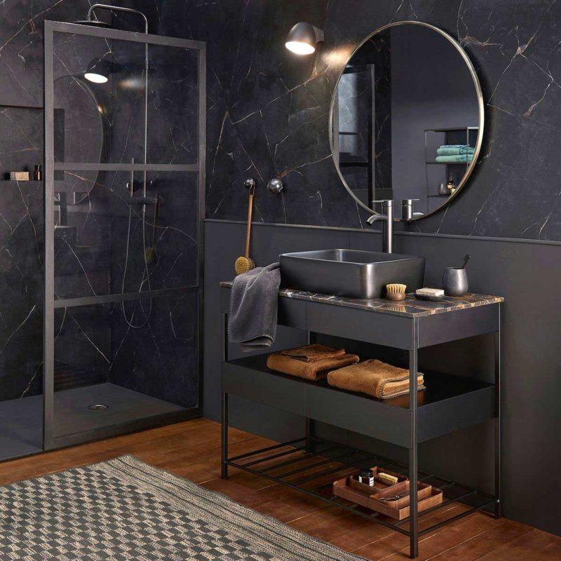 Meuble de salle de bains noir mat avec plateau marbre