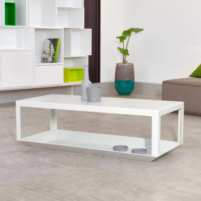 Table basse design en métal