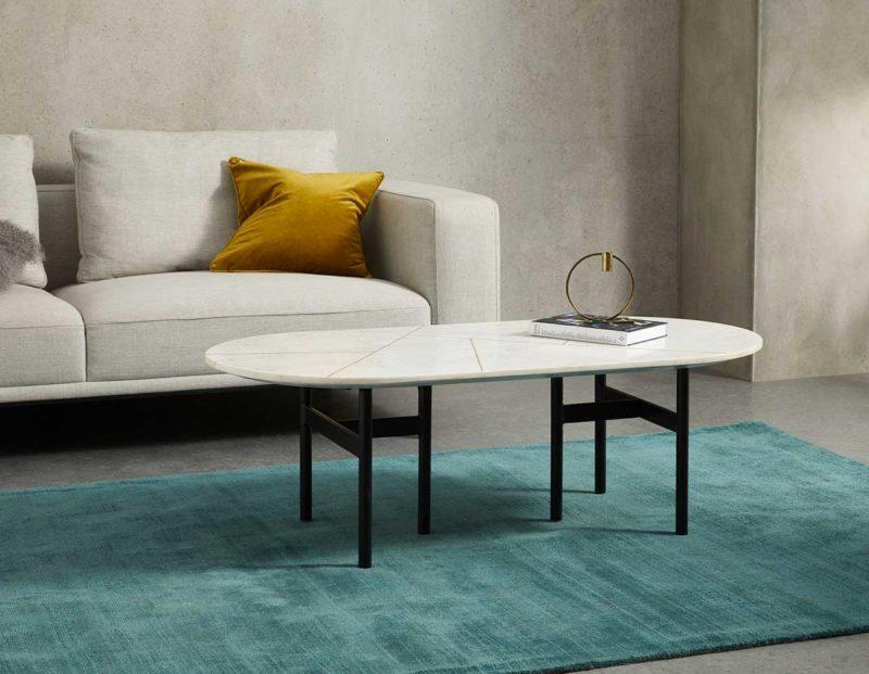 Table basse rectangulaire avec deux côtés arrondis