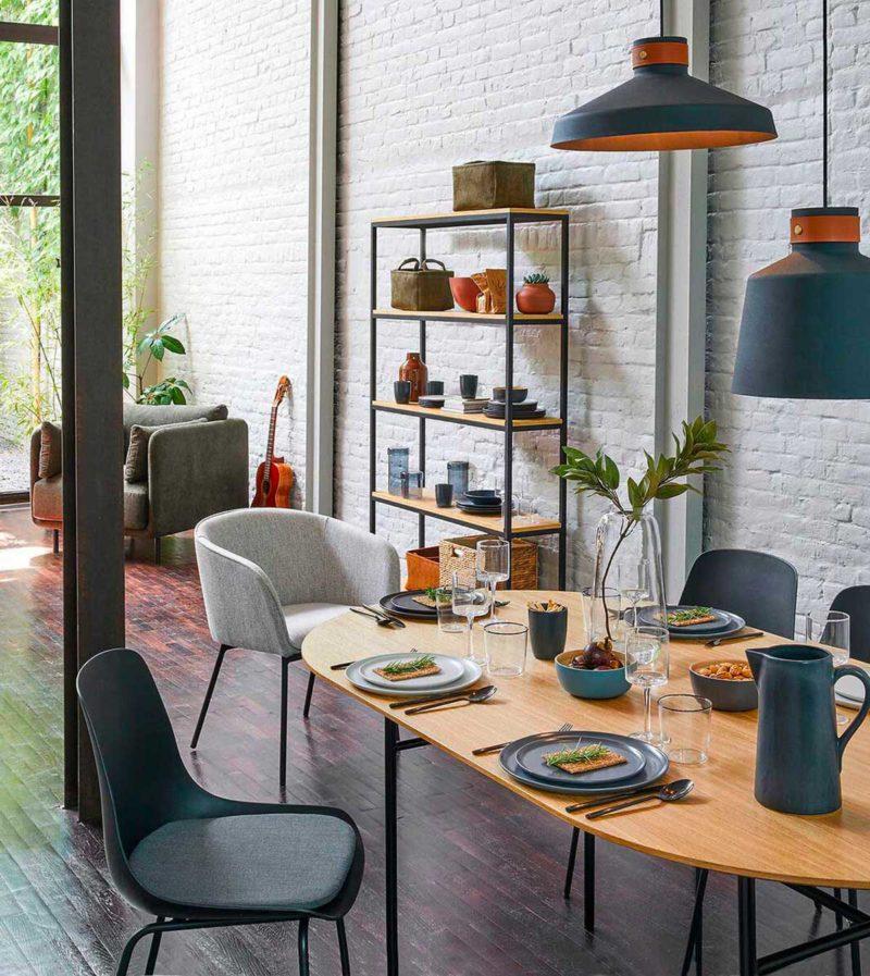 Table oblongue de style contemporain