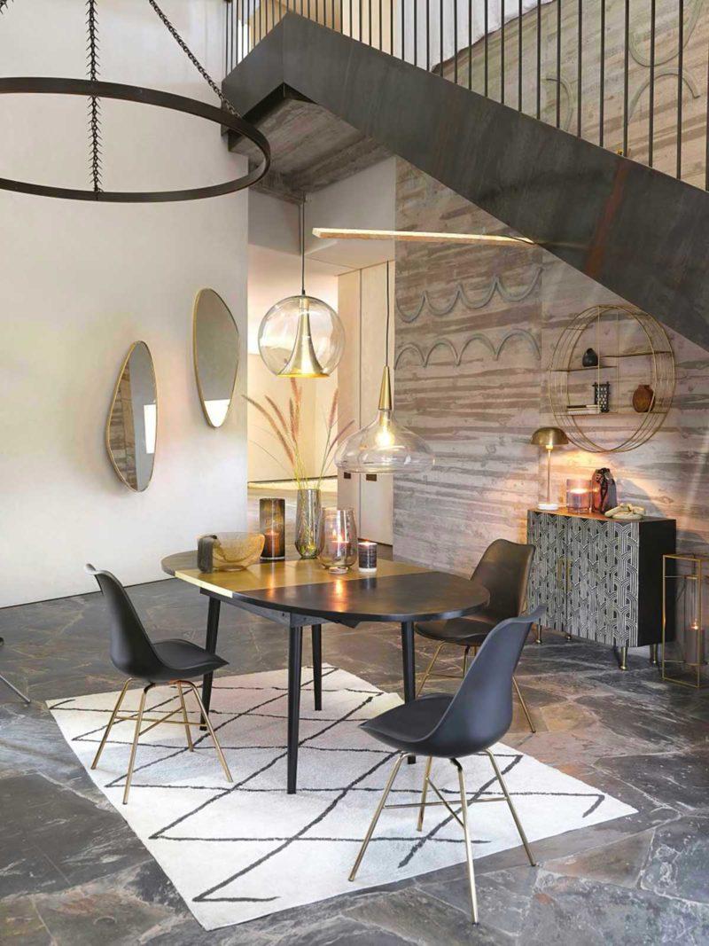 Table ovale avec rallonge pour la salle à manger