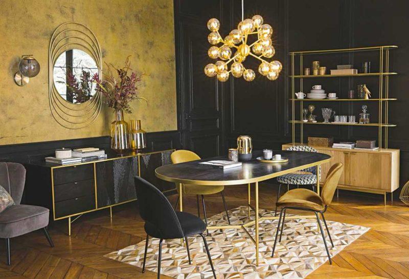 Table ovale avec structure laiton