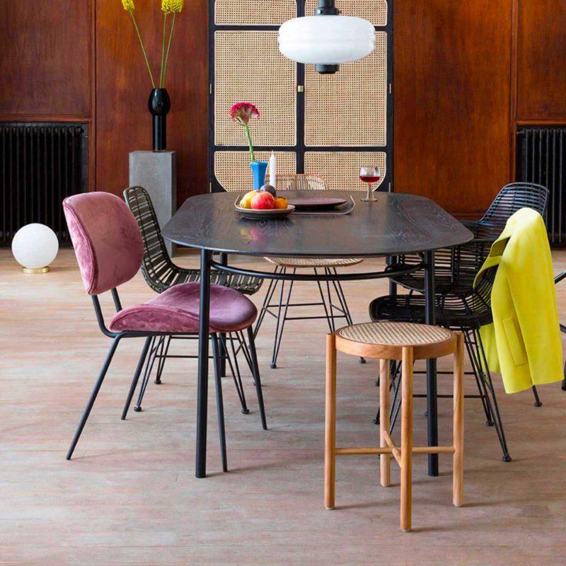 Table ovale noire