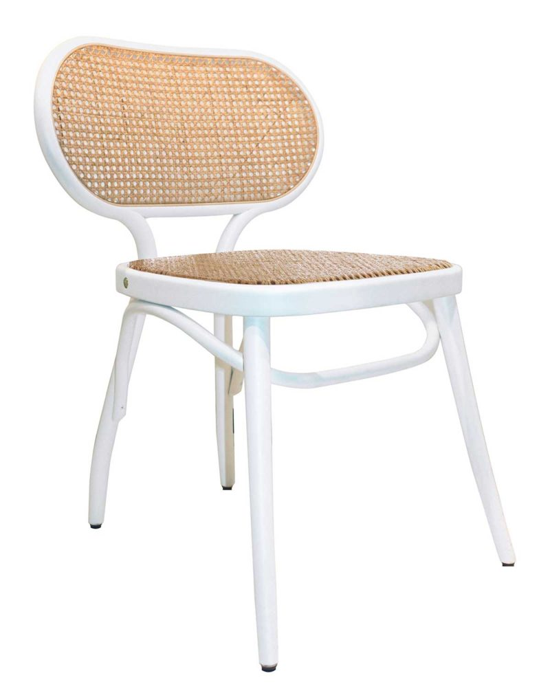 Chaise blanche en cannage