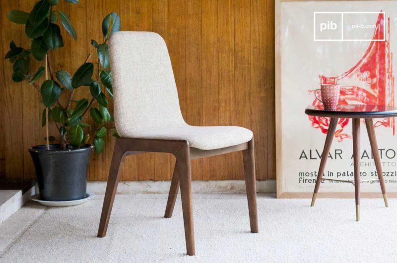 Chaise en tissu beige style vintage
