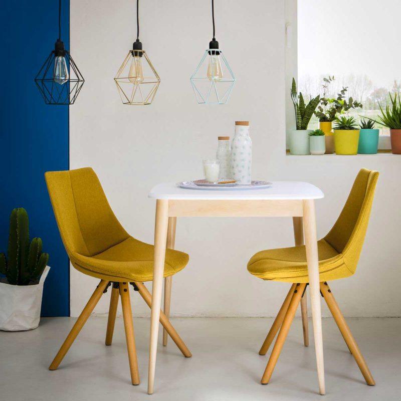 Petite table carrée 2 couverts
